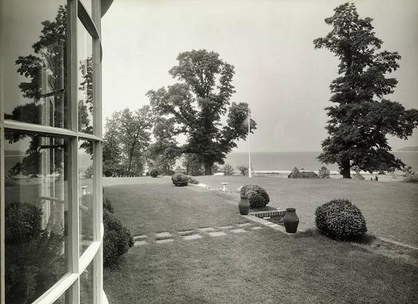 New York Landscape Photograph - Lawn By A Window by Tom Leonard