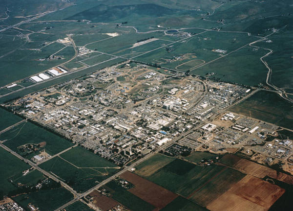 Lawrence Photograph - Lawrence Livermore National Laboratory by Us Department Of Energy / Science Photo Library