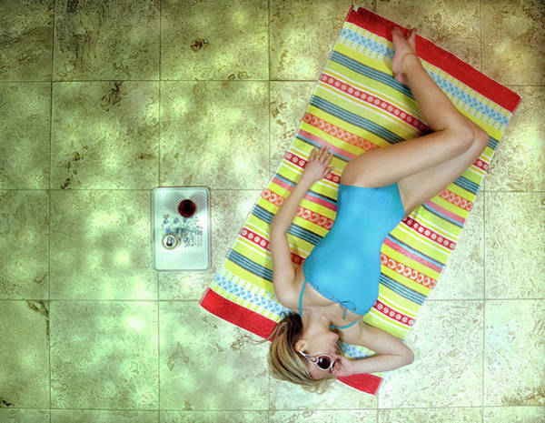 Relaxing Wall Art - Photograph - Lazing By Hockney\'s Swimming Pool by Kenp