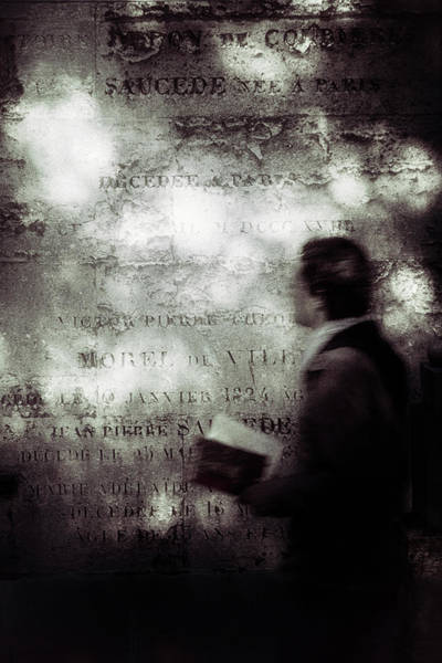 Wall Art - Photograph - Le Lecteur by Eric Drigny