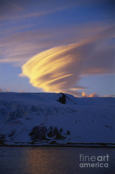 Photograph - Lenticular Cloud by Greg Dimijian