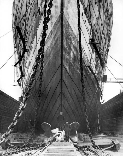 Dry Dock Photograph - Leviathan In Boston Dydock by Underwood Archives