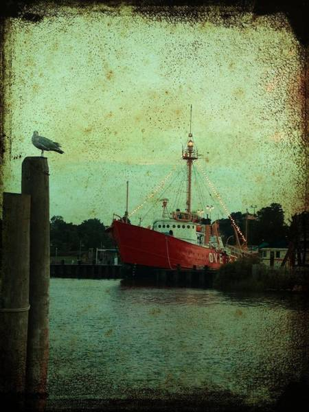 Photograph - Lewes - Overfalls Lightship 1 by Richard Reeve