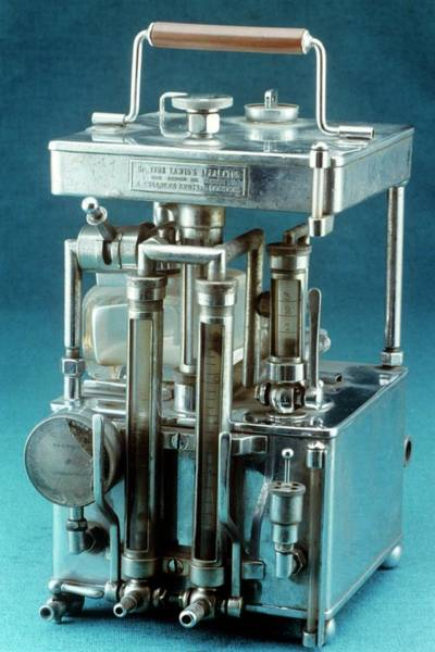 History Of Science Wall Art - Photograph - Lewis Intratracheal Apparatus by Science Photo Library