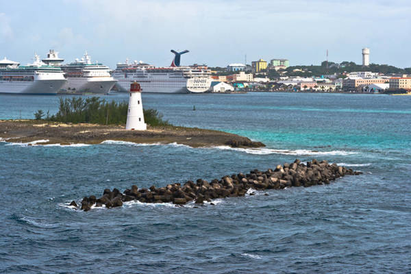 Photograph - Lighthouse At Nassau Harbor by Ed Gleichman