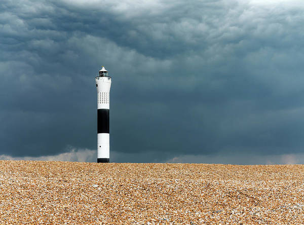 Shingles Photograph - Lighthouse by Daniel Sambraus/science Photo Library