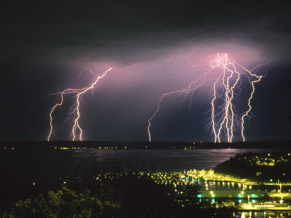 Lightning Wall Art - Photograph - Lightning Strike by King Wu