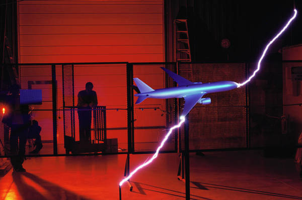 Wall Art - Photograph - Lightning Test On Model Boeing 777 Airliner by Peter Menzel/science Photo Library