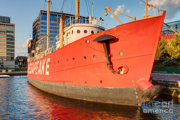 Photograph - Lightship Chesapeake I by Clarence Holmes