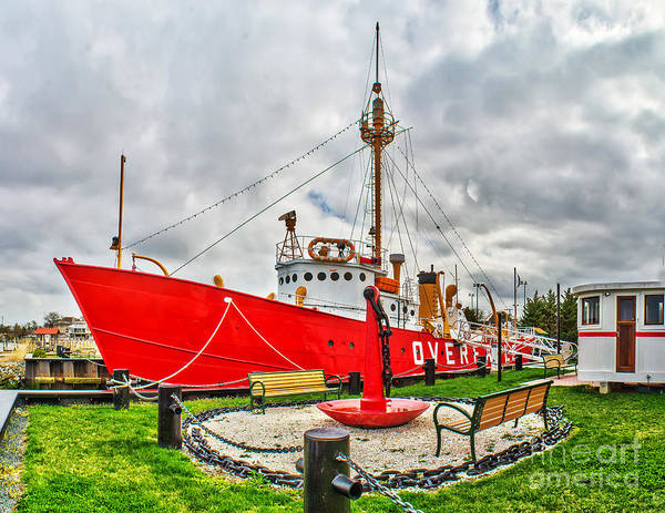 Photograph - Lightship Overfalls by Nick Zelinsky