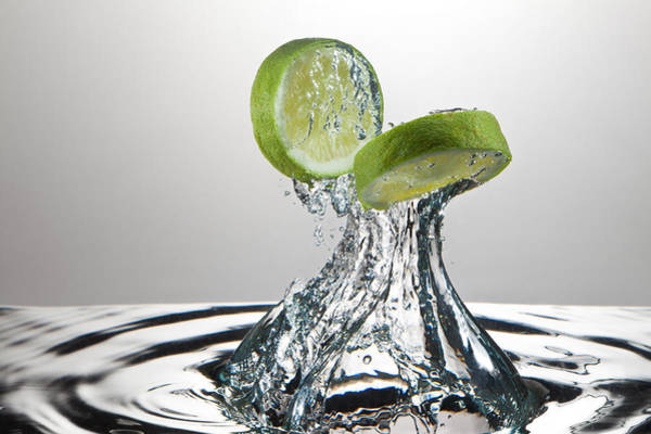 Wall Art - Photograph - Lime Freshsplash by Steve Gadomski