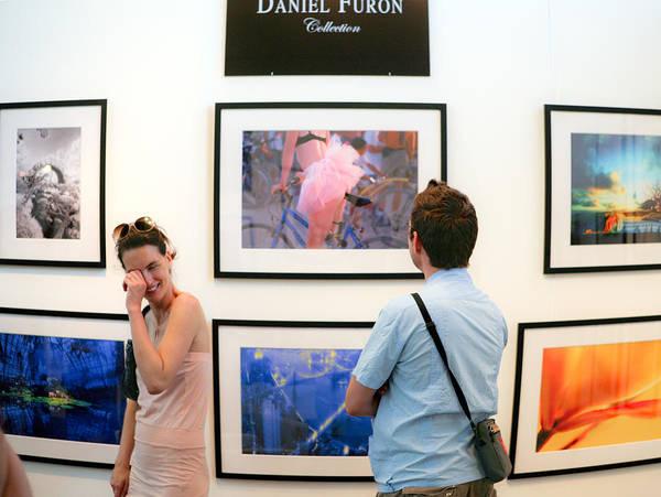 Furon Photograph - L'impact De L'art by Daniel Furon