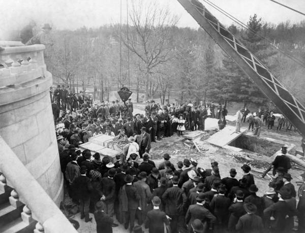 Cemetery Ridge Photograph - Lincoln Exhumation, 1901 by Granger