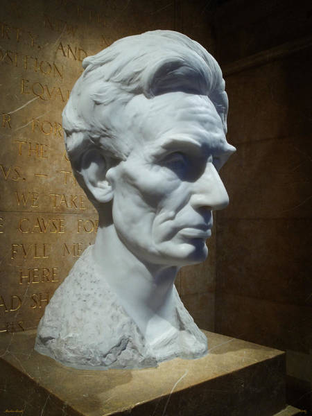 Photograph - Lincoln Memorial Bust by Glenn McCarthy