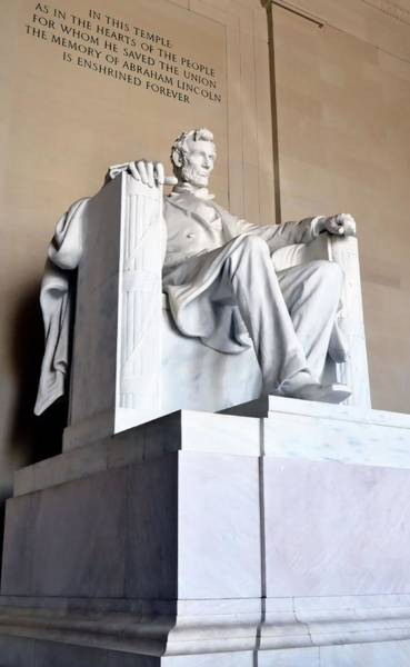 Photograph - Lincoln Memorial by Kathy McCabe