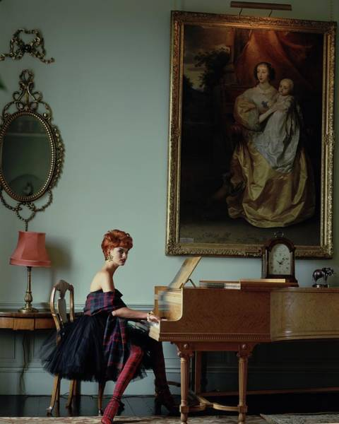 Mirror Photograph - Linda Evangelista At A Piano by Arthur Elgort