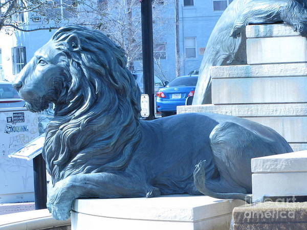 Wall Art - Photograph - Lion Statue 2 by William Bryant