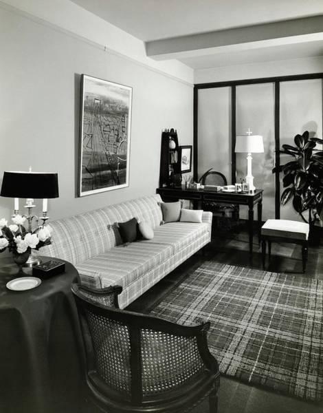 Desk Photograph - Living Room by Tom Leonard