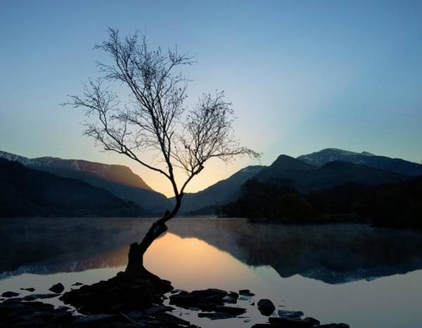 Beauty Spot Photograph - Llyn Padarn And Snowdon by Cordelia Molloy/science Photo Library