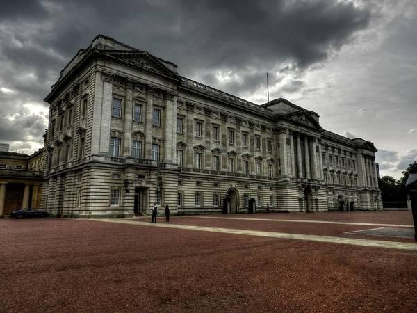 Photograph - London 049 by Lance Vaughn