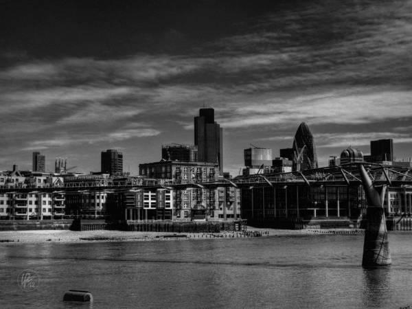 Photograph - London 066 by Lance Vaughn