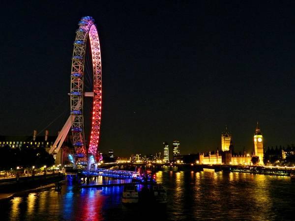 Photograph - London 112 by Lance Vaughn