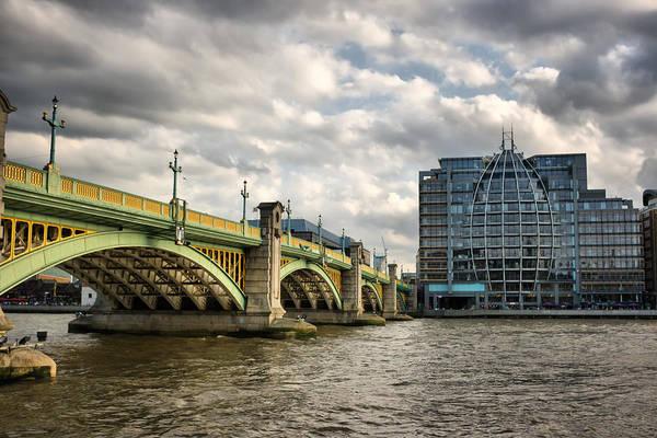 Bankside Photograph - London Bridge by Pier Giorgio Mariani