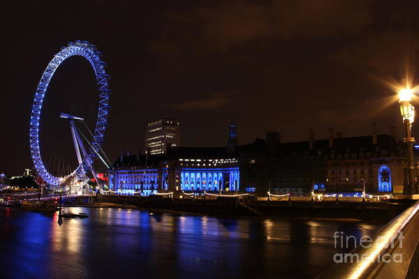 Photograph - London Eye At Night by Fabrizio Malisan