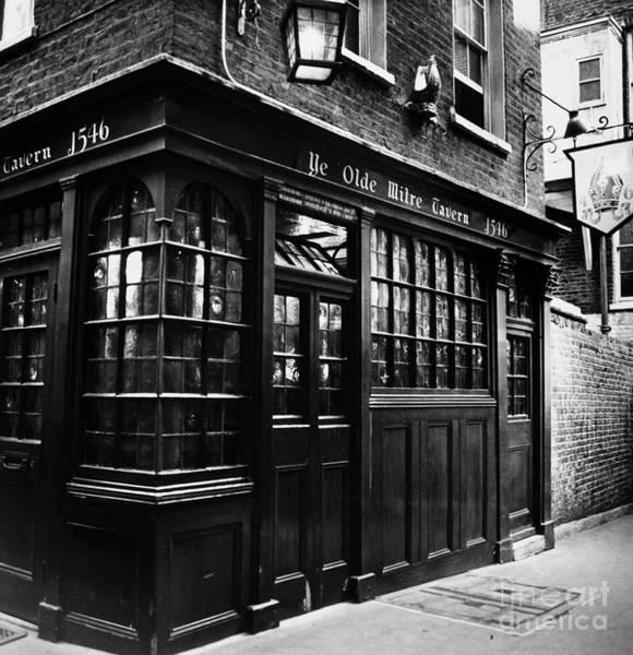 Photograph - London: Tavern by Granger