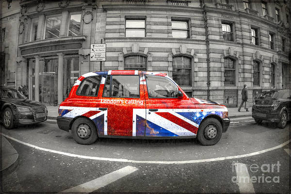 Car Photograph - London's Calling by Evelina Kremsdorf