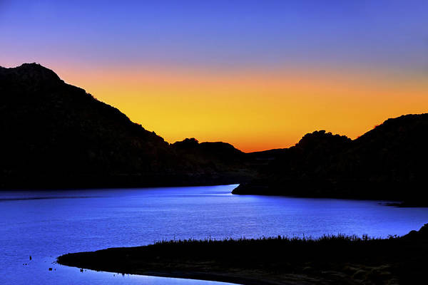 Looking Through The Quartz Mountains At Sunrise - Lake Altus - Oklahoma Art Print