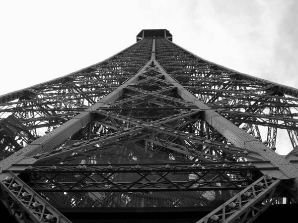 Autobus Photograph - Looking Up The Eiffel Tower by Scott Carda