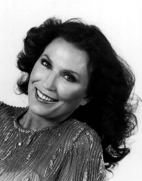 Honky Tonk Photograph - Loretta Lynn Close Up by Retro Images Archive