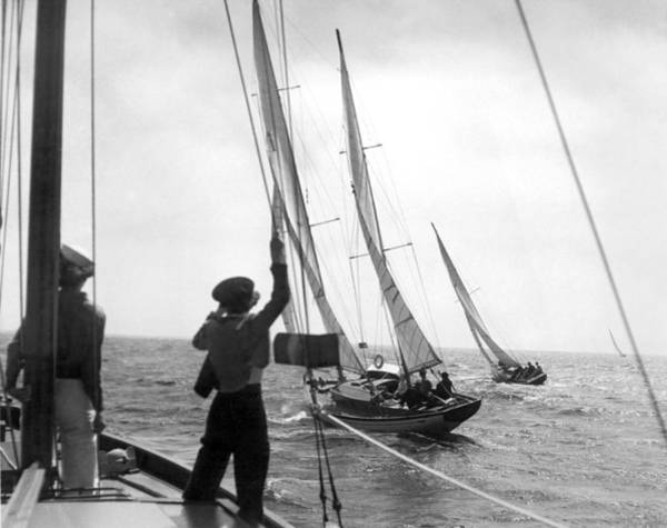 Racing Yacht Photograph - Los Angeles Regatta Tuneup by Underwood Archives