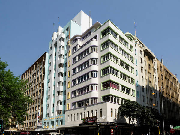Johannesburg Wall Art - Photograph - Low Angle View Of A Building, London by Panoramic Images