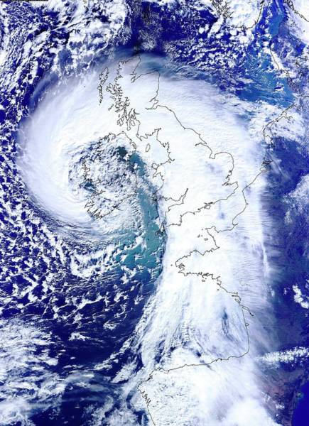 Pressure Wall Art - Photograph - Low Pressure Over The Uk 12 February 2014 by University Of Dundee