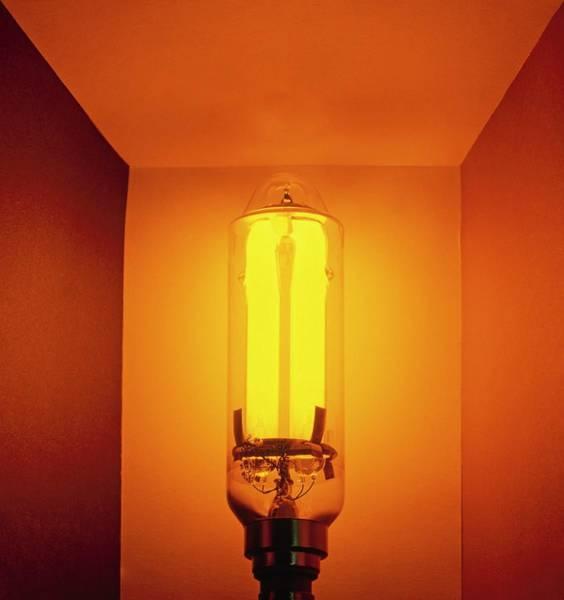 Lp Wall Art - Photograph - Low-pressure Sodium Lamp (lps) by Dorling Kindersley/uig