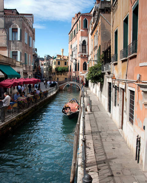 Photograph - Lunchtime In Venice by William Beuther