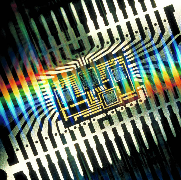 Hybrid Photograph - Macrophoto Of A Hybrid Integrated Circuit Package by Alfred Pasieka/science Photo Library