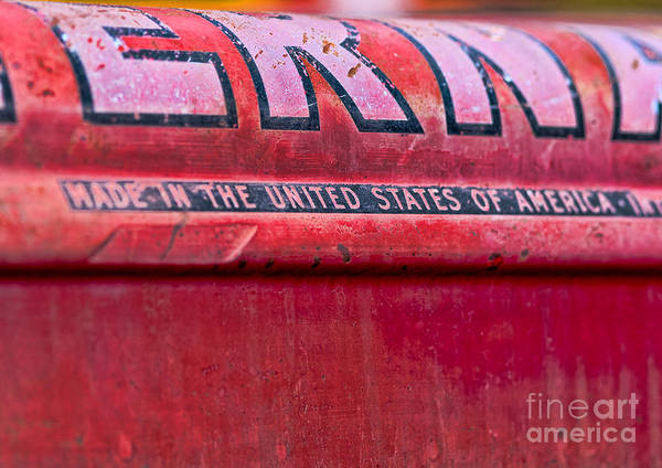 Photograph - Made In Usa Sign by Les Palenik