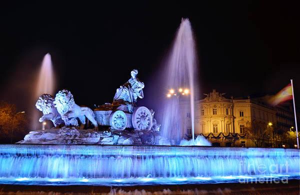 Photograph - Madrid - Plaza De Cibeles by Carlos Alkmin
