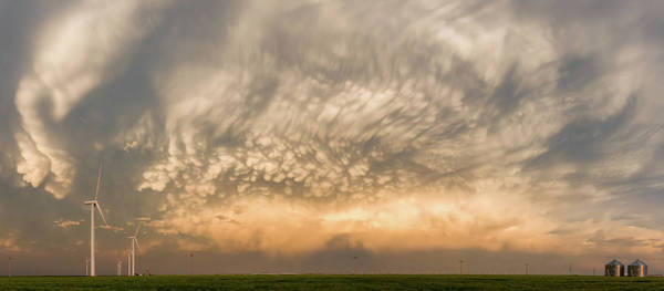 Silo Photograph - Mammatus by Rob Darby