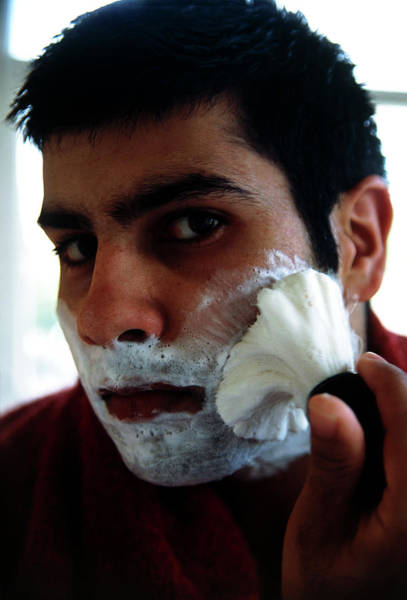 Foaming Wall Art - Photograph - Man Lathering Face by Tracy Rutter/science Photo Library