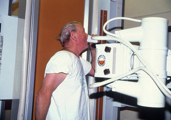 Swallow Photograph - Man Swallowing Barium During An X-ray Examination by Antonia Reeve/science Photo Library