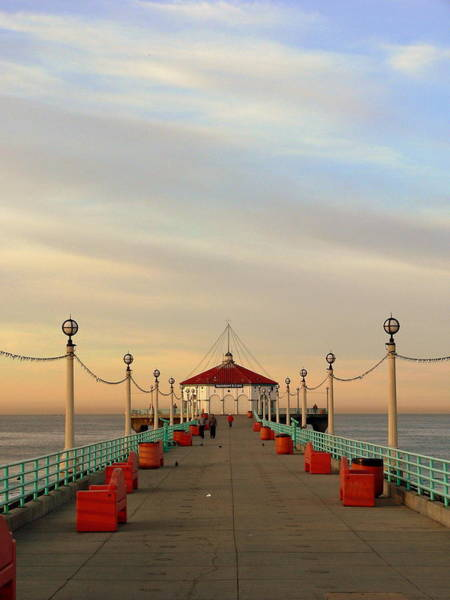 Photograph - Manhattan Beach At Sunrise by Jeff Lowe