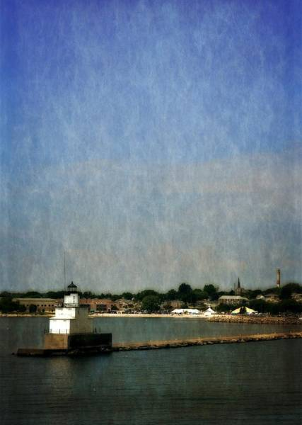 Photograph - Manitowoc Breakwater Light 2.0 by Michelle Calkins