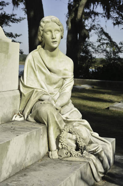 Photograph - Marble Woman With Wreath by Bradford Martin