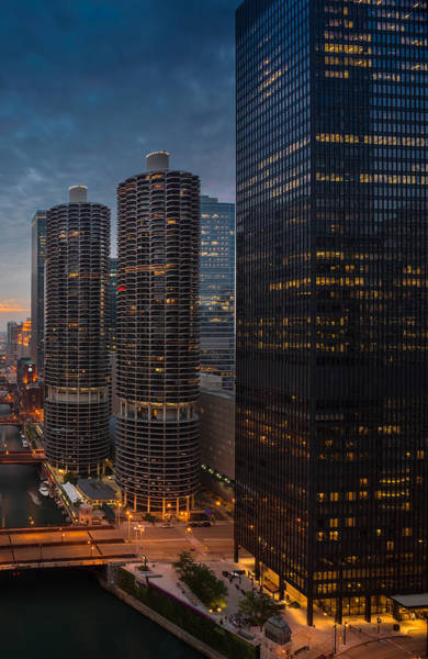 Wall Art - Photograph - Marina City And A M A Plaza Chicago by Steve Gadomski
