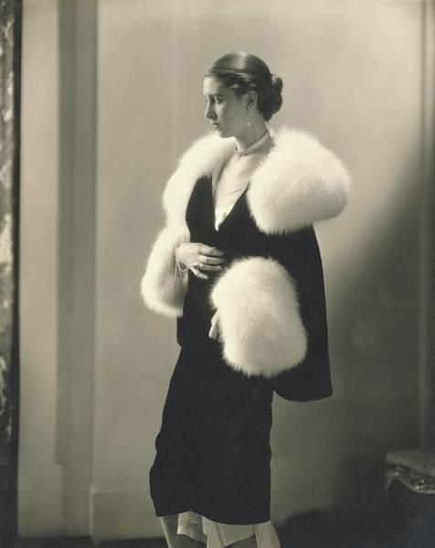 Plunge Photograph - Marion Morehouse In A Dress With Fur Collar by Edward Steichen