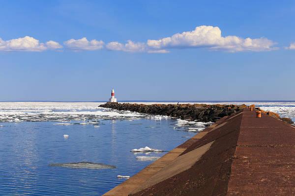 Photograph - Marquette Breakwater Lighthouse by Rachel Cohen